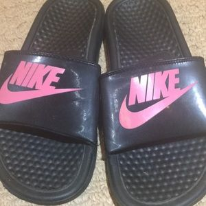 Kids Nike slides